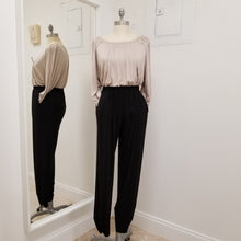 Load image into Gallery viewer, elastic waist black jog pants with pleated pockets and ankle shirring detail