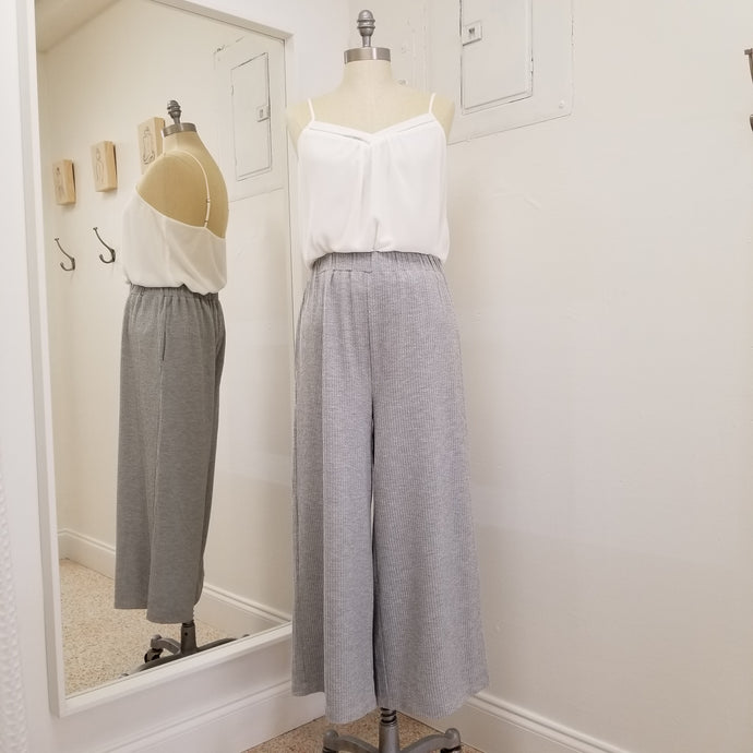 grey mid length palazzo rib knit pants with pockets
