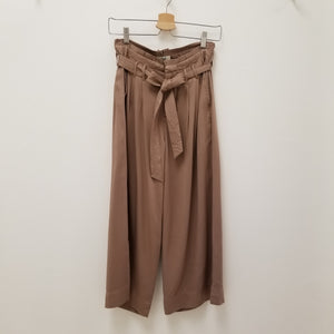 High waist wide leg mid length pant