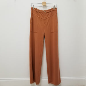 High waisted pants in sandy rust