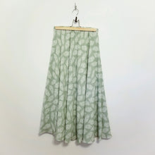 Load image into Gallery viewer, Palm leaf print skirt