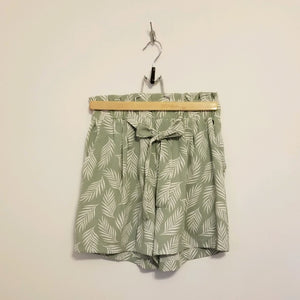 Palm leaf print shorts