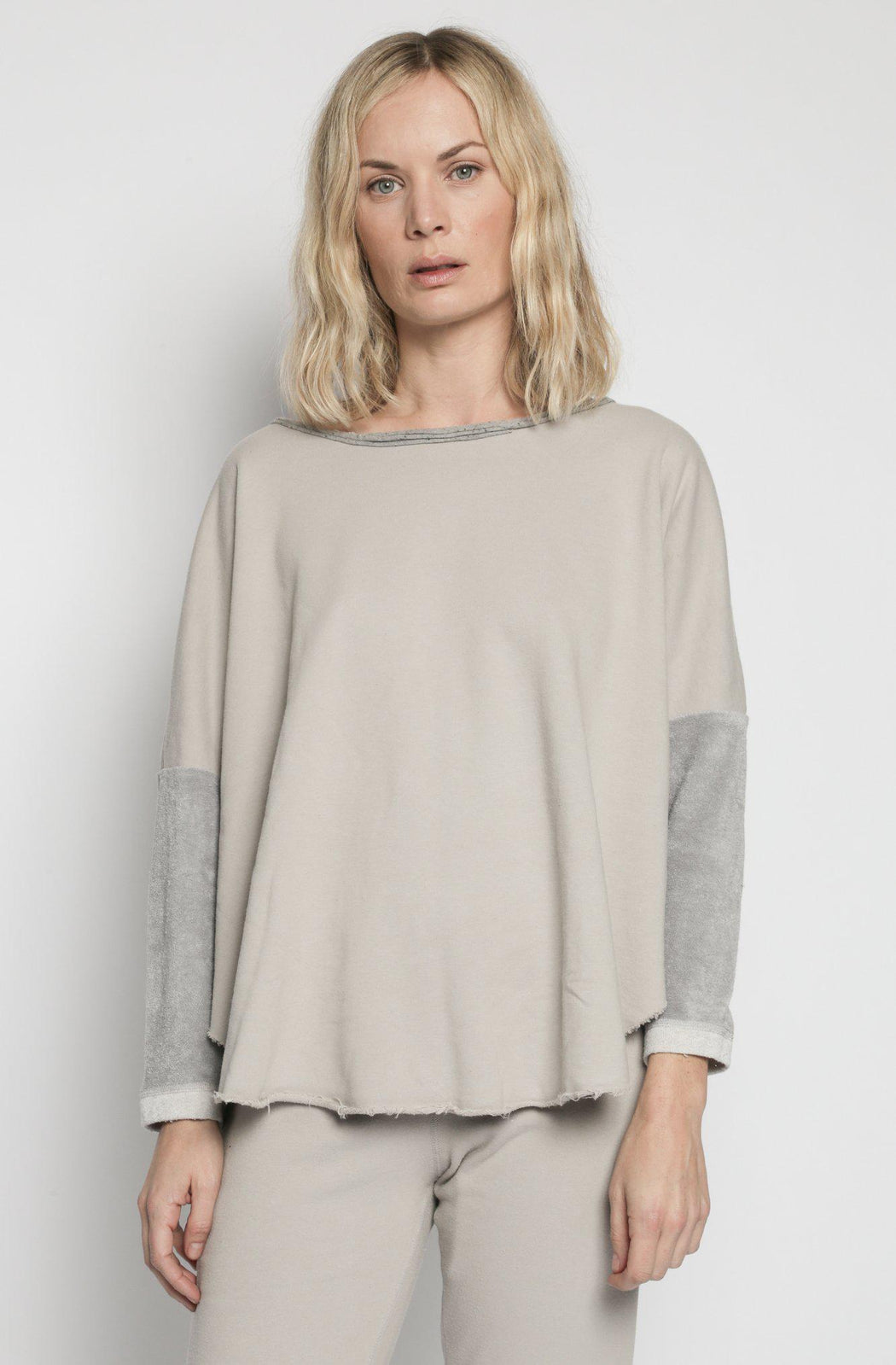 Patch Yoga Pullover - Light Grey