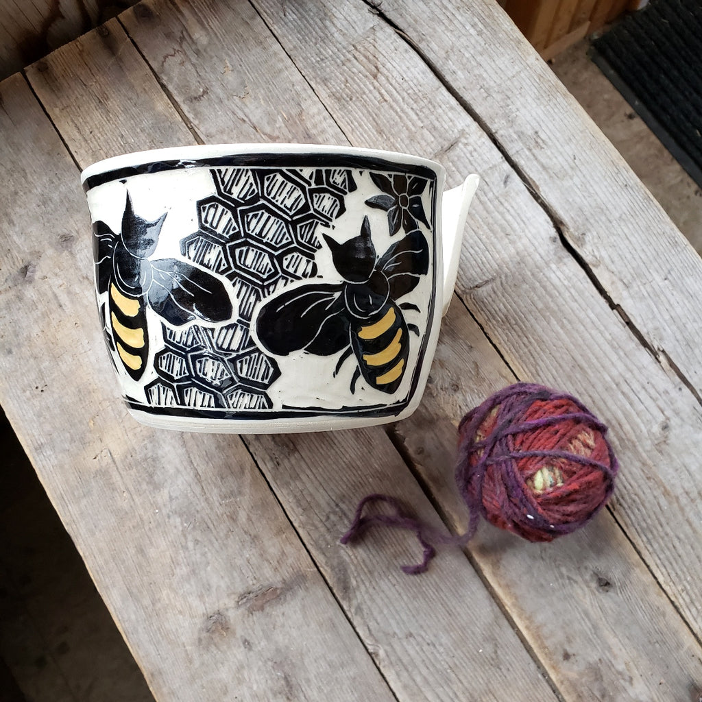 Yarn Bowl - Bee Design / White