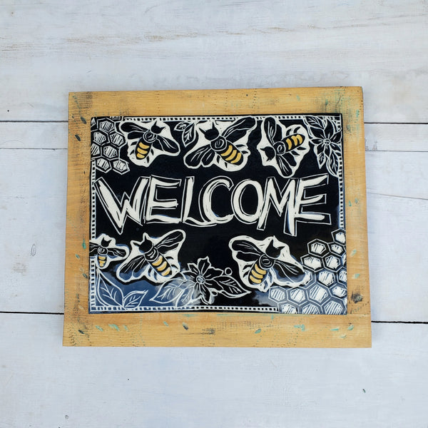 Welcome Sign, Bee