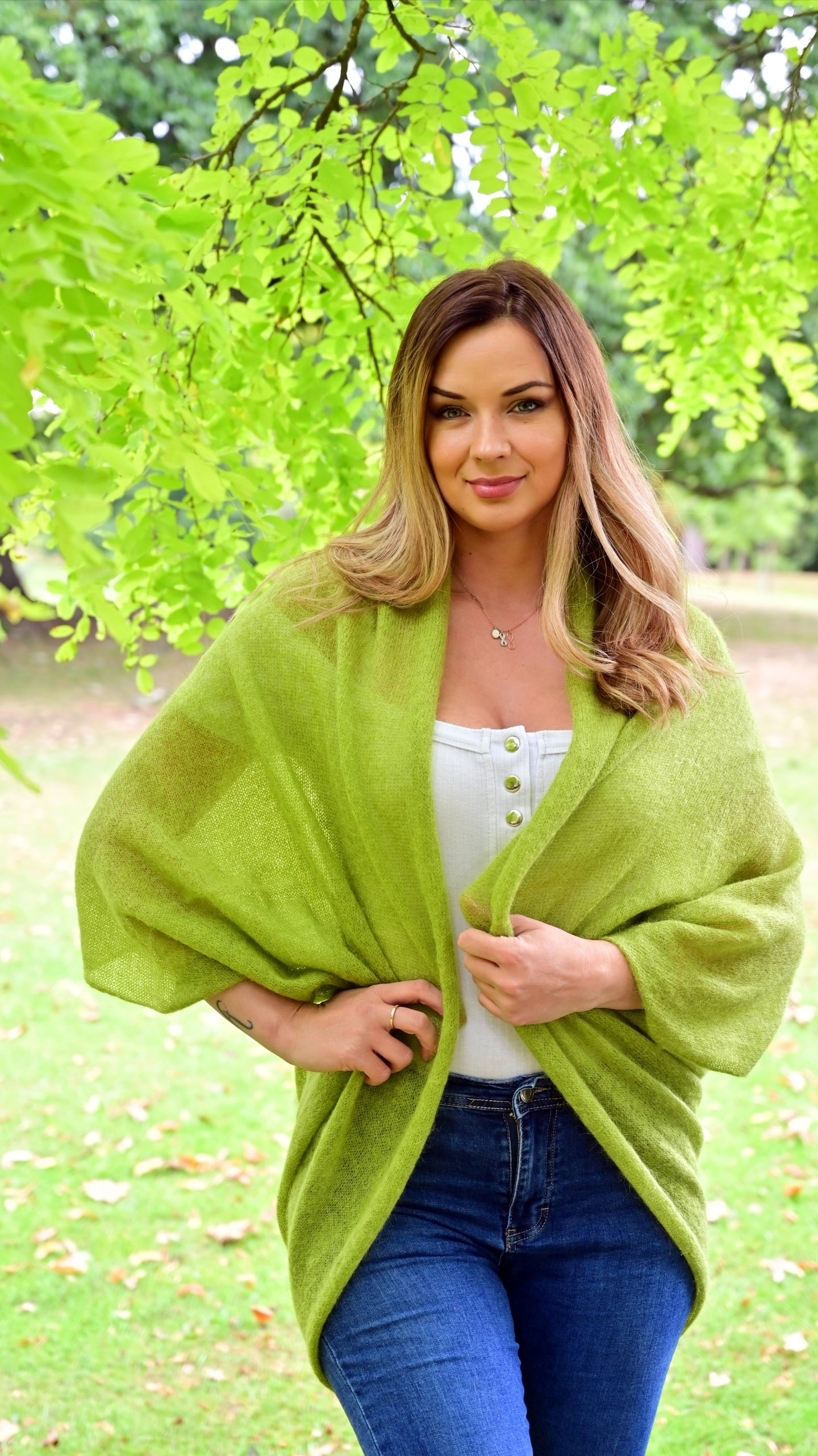 LL Cardigan | Versatile | Lightweight | in pear green