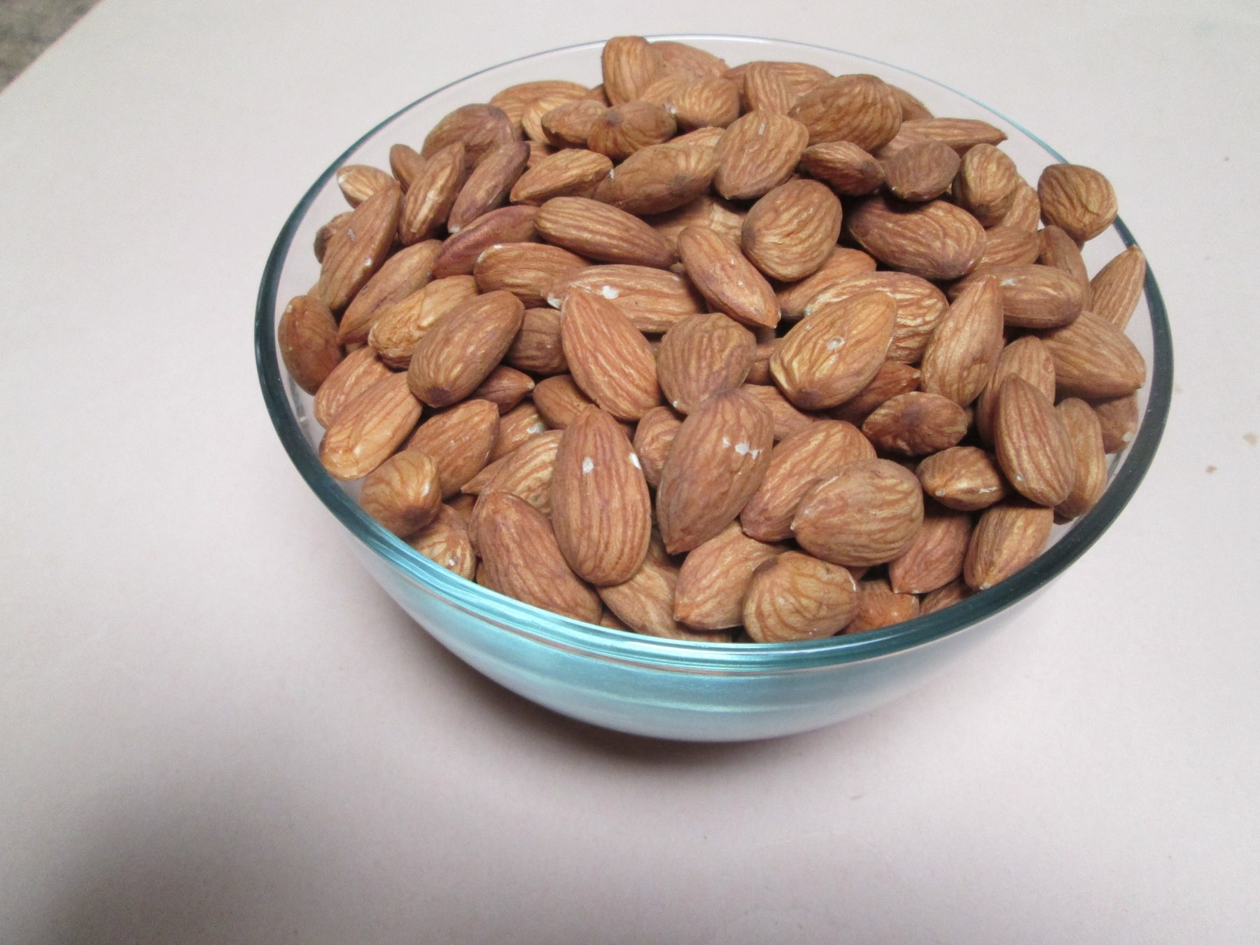 Raw Shelled Almonds, 25 lbs / case