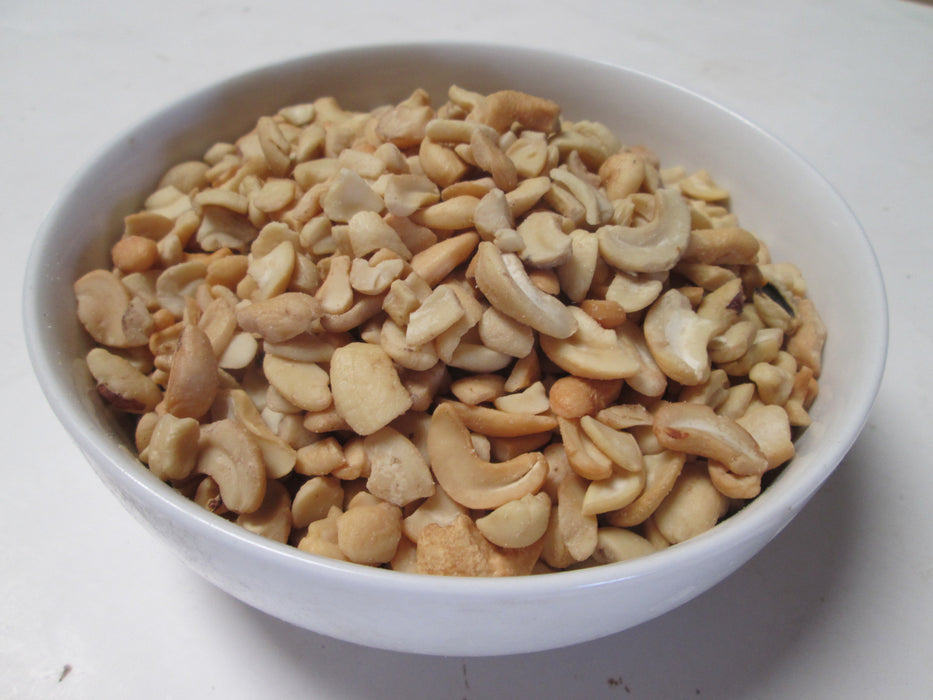 Roasted Cashew Pieces 25 lbs / case