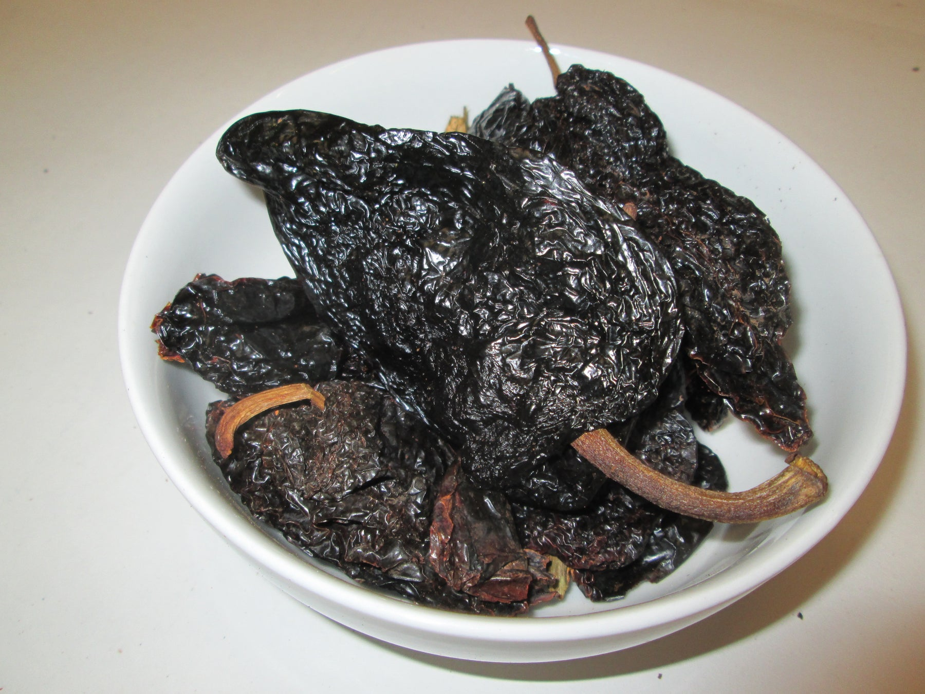 Dried Mulato Chiles , 30 lbs
