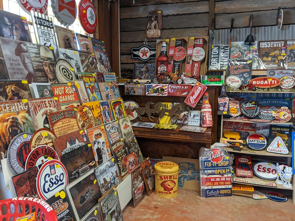 The History of Tin Advertising Signs