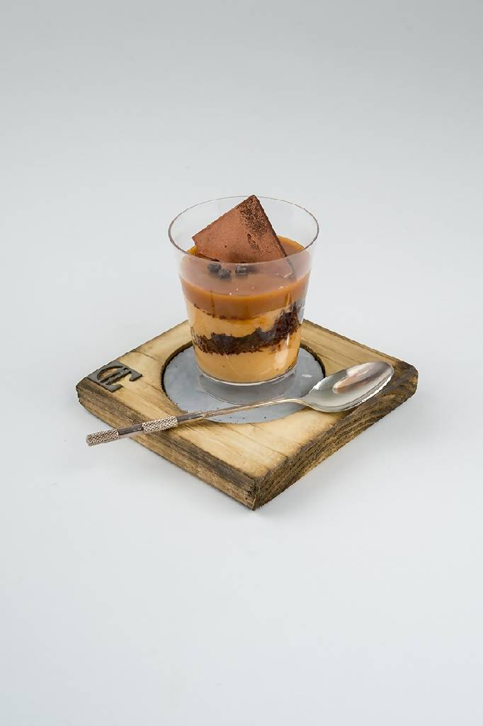 Concrete & wooden cup coasters