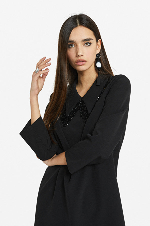 Ottodame beaded collar shift dress in black