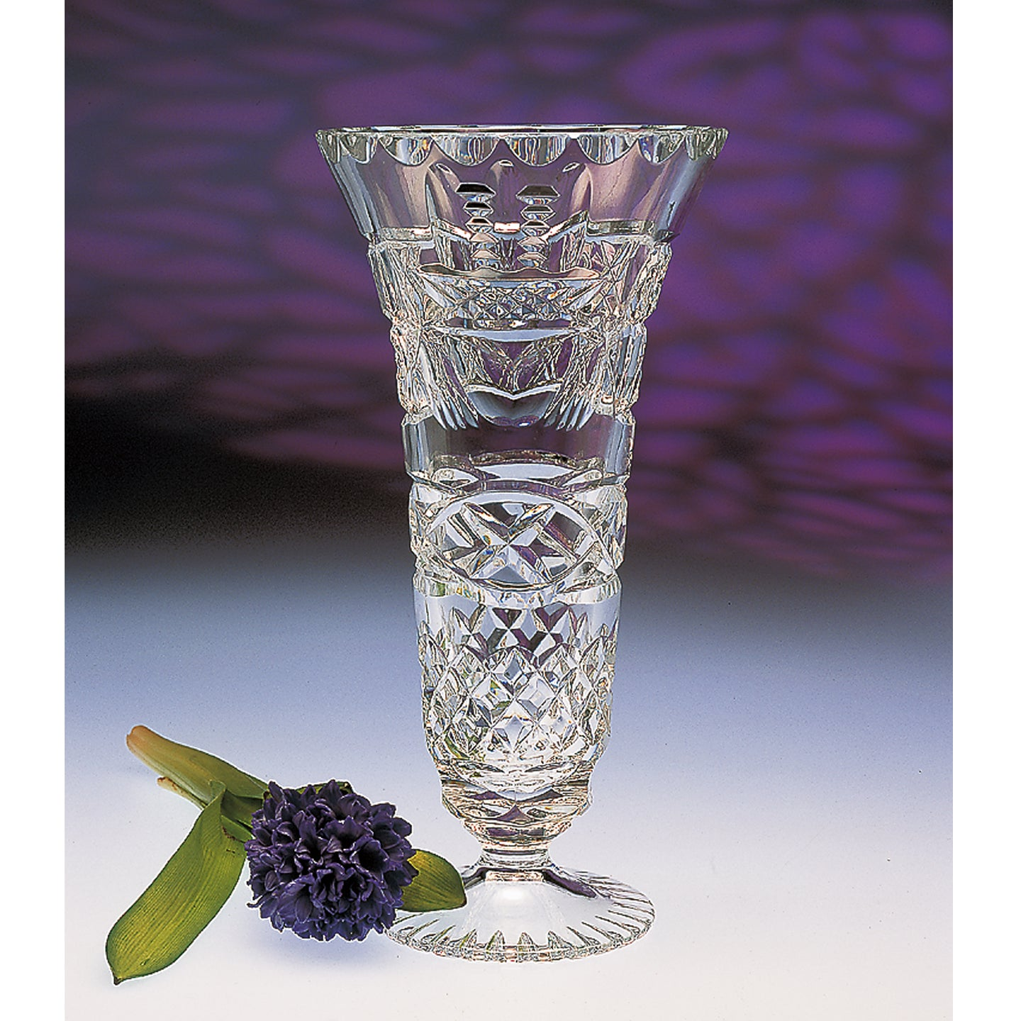 Claddagh Crystal Footed Vase