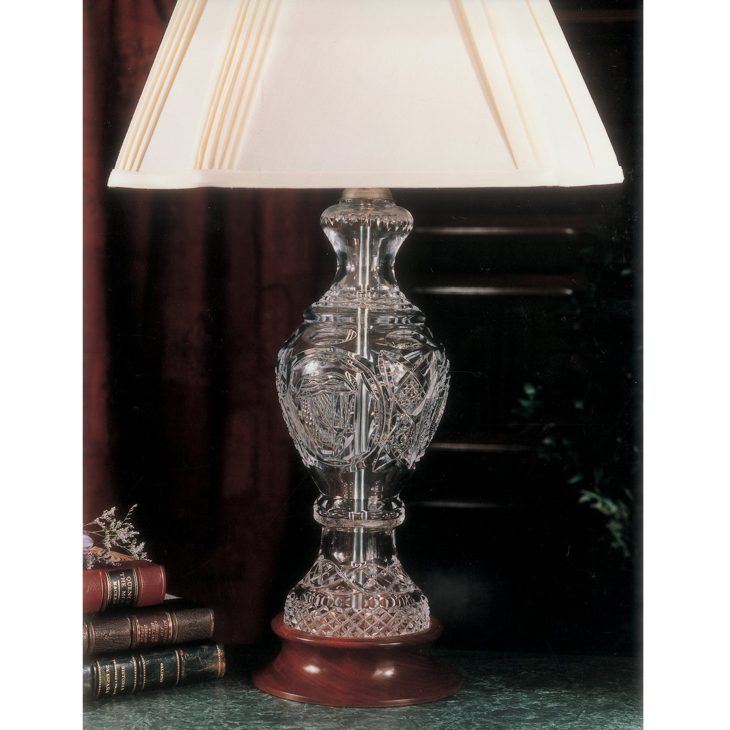 Mise Eire Crystal Lamp