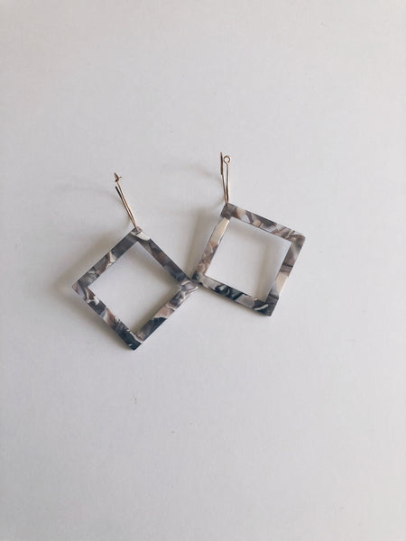 Tortoise Geo Diamond Hoops