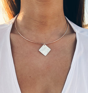 14k Gold Filled Hammered Rhombus Charm Collar Necklace
