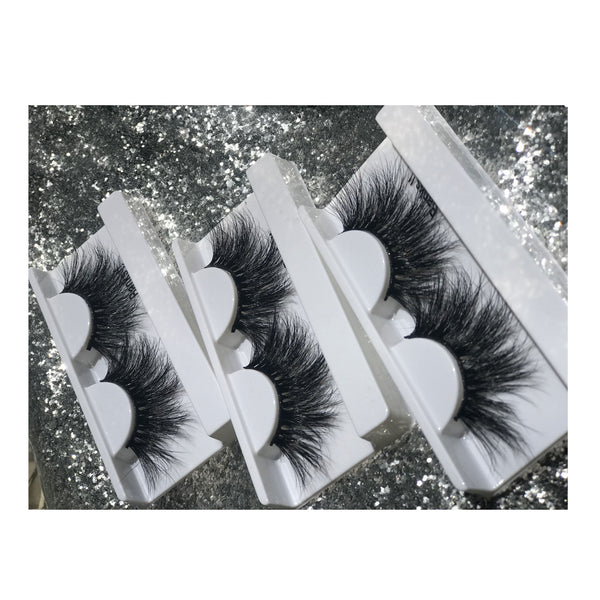 Wynnk Lashes Make Me Up Collection