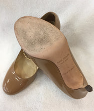 Load image into Gallery viewer, Kate Spade Camel Patent KEA Pumps