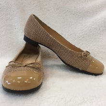Load image into Gallery viewer, Kate Spade Nude Tweedy Ballet Flats