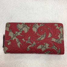 Load image into Gallery viewer, Gucci Red Arabesque Zippy Wallet