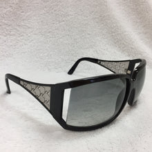 Load image into Gallery viewer, Gucci Black Sunglasses With Silver Gucci Print