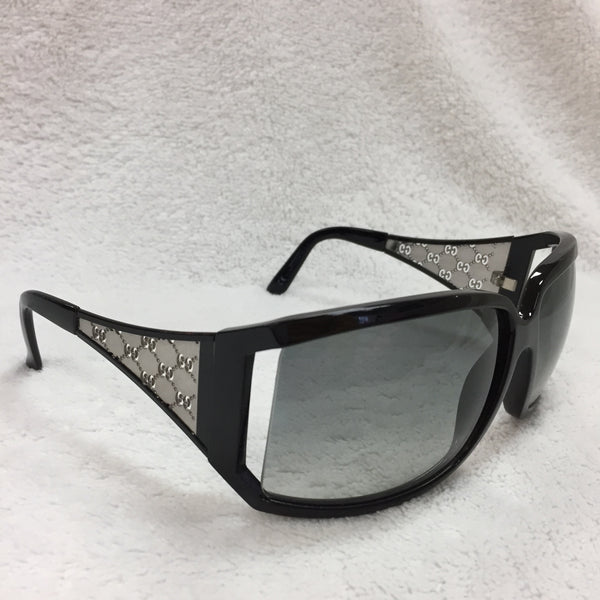 Gucci Black Sunglasses With Silver Gucci Print