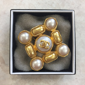 Chanel Vintage Gold & Pearl Pin