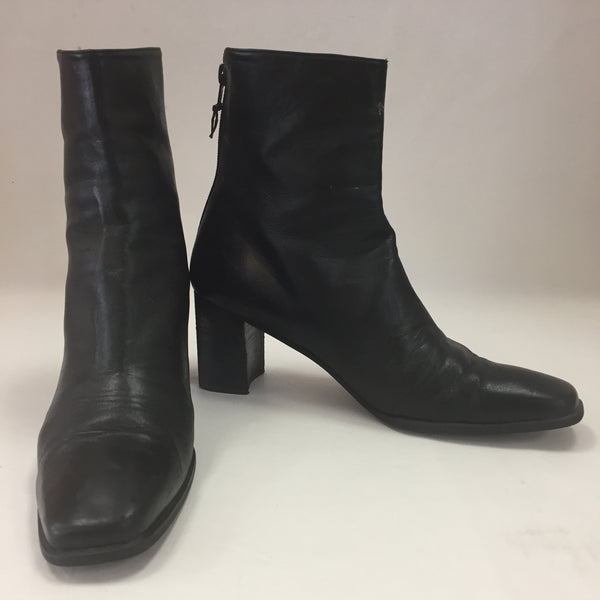 Authentic Stuart Weitzman Black Heeled Boots Women's Size 9.5