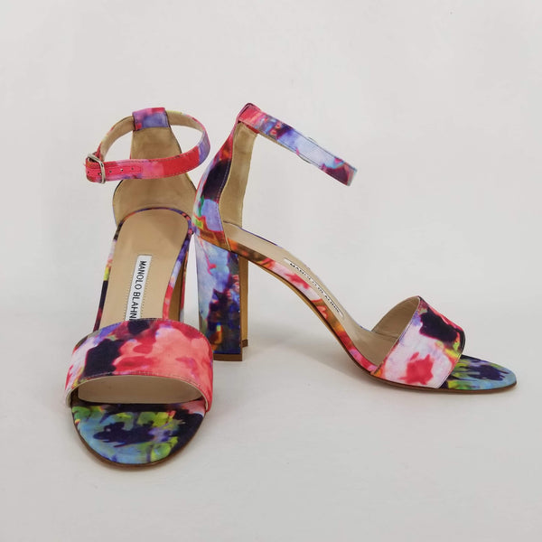 Authentic Manolo Blahnik Lauratopri Floral Fabric Chunky Heel Pumps Women's 39 / 8.5