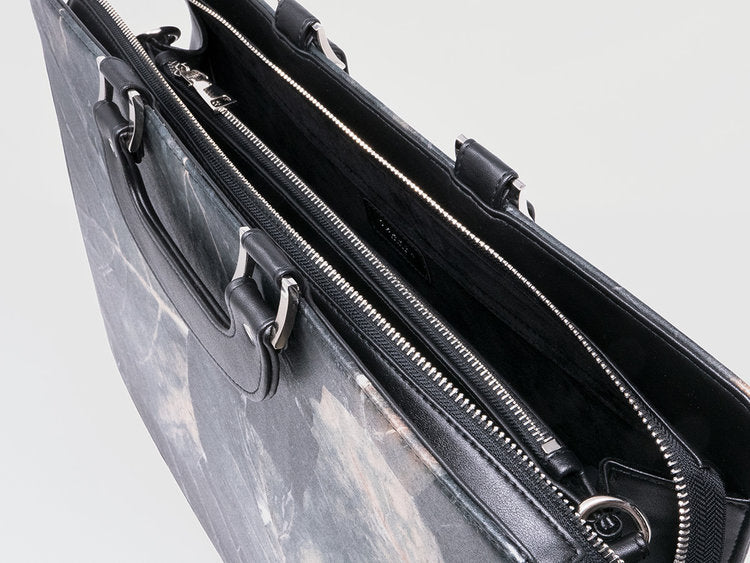 Briefcase in Black Leaf LeatherMen's BagsTHAMON