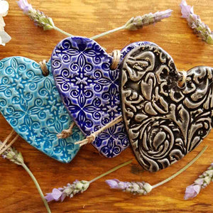 Embossed Ceramic Heart (assorted colours approx. 8.5 x 8.5cm)
