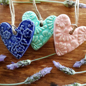 Embossed Ceramic Heart (assorted colours approx. 5 x 5cm)