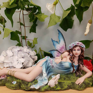 Fairy Lying on Grass (Anne Stokes)
