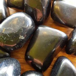 Shungite Large Tumble (assorted approx. 4x2pluscm)
