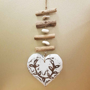 Hanging Whitewash Heart with Driftwood. (approx. 33x16cm)