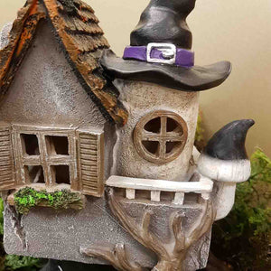 Witches Boot House. (LED. approx. 29x23x11)