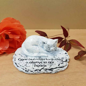 Gone But Never Forgotten Cat Memorial. (approx. 4x10x8cm)