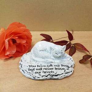 You Have Left Our Lives Cat Memorial. (approx. 4x10x8cm)