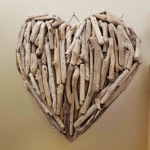 Driftwood Heart. (assorted. approx. 40x40x8cm)