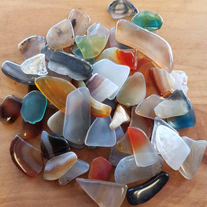 Agate Mix Flat Tumbled Piece. (assorted sizes & colours incl some dyed)