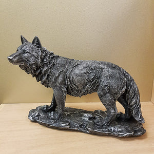 Antique Silver Look Wolf. (approx 19x28cm)