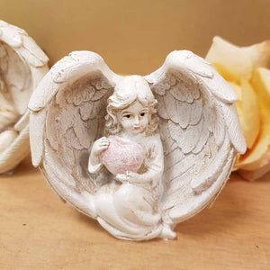 Angel with Heart in Wings. (2 assorted. approx. 7x7x4cm)
