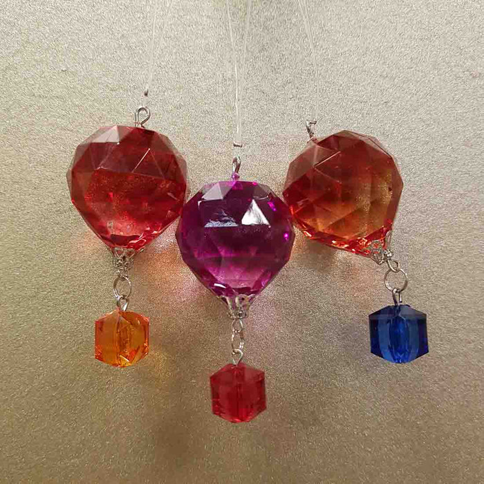 Colourful Hanging Hot Air Balloon (assorted colours approx. 5.5x2.5x2.5cm)