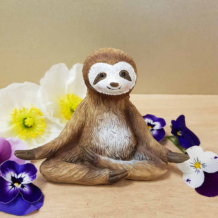 Sloth in Meditation Pose assorted (approx. 12.5x8.5x6cm)