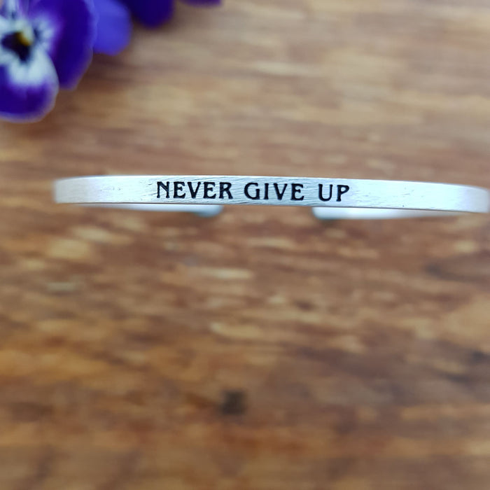 Never Give Up Bracelet (silver colour)