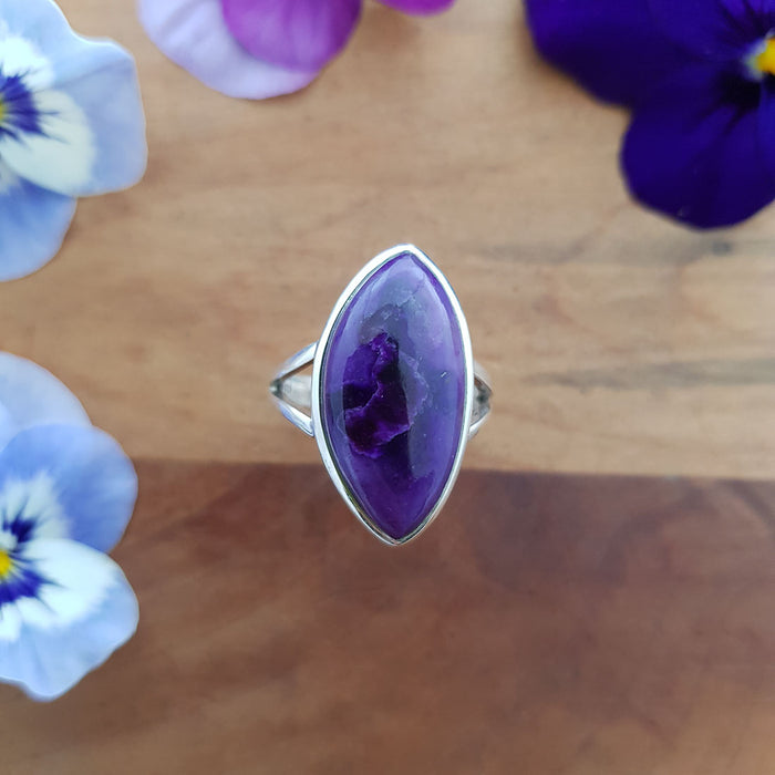 Sugilite Ring. (sterling silver)