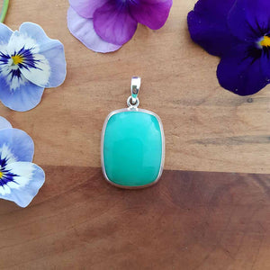 Chrysoprase Pendant set in Sterling Silver.