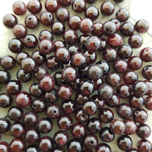 Garnet Bead (assorted. approx. 8mm round)