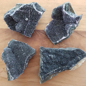 Black Amethyst Cluster (assorted. approx. 7x5x2..5cm)