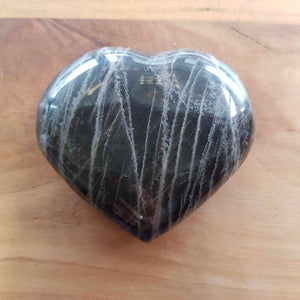 Black Moonstone Heart (approx. 7x8.8x2.5cm)